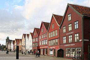 290px-Bryggen,_Bergen3